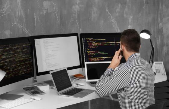 学python编程大概多少钱?就业好吗