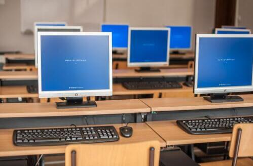 初中毕业学计算机哪个学校比较好